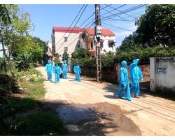 Nhân viên y tế Cao Ngọc trong trang phục bảo hộ