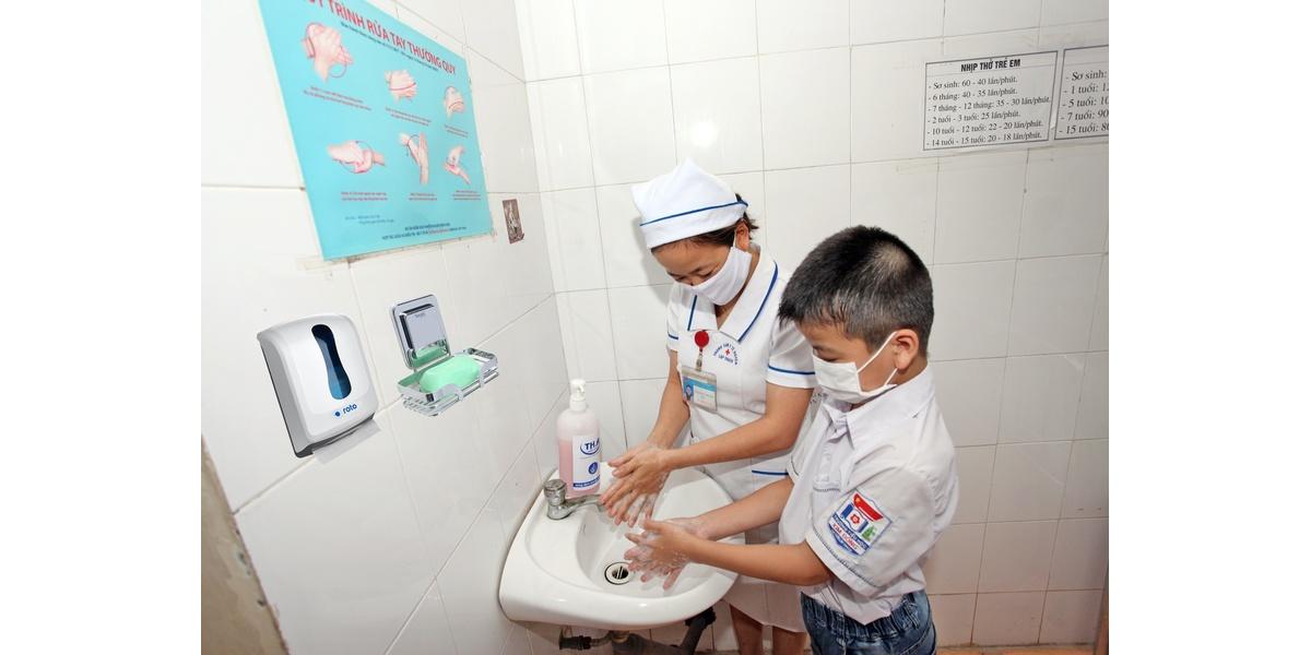 Rửa tay cùng em