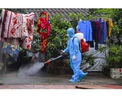 Phong tỏa, phun khử trùng khu vực nơi bệnh nhân 266 cư trú