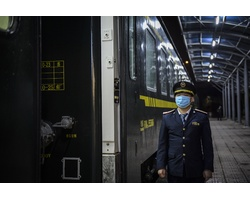 Ảnh: Niềm vui trên chuyến tàu liên vận cuối cùng sang Trung Quốc trước khi tạm dừng vì dịch corona